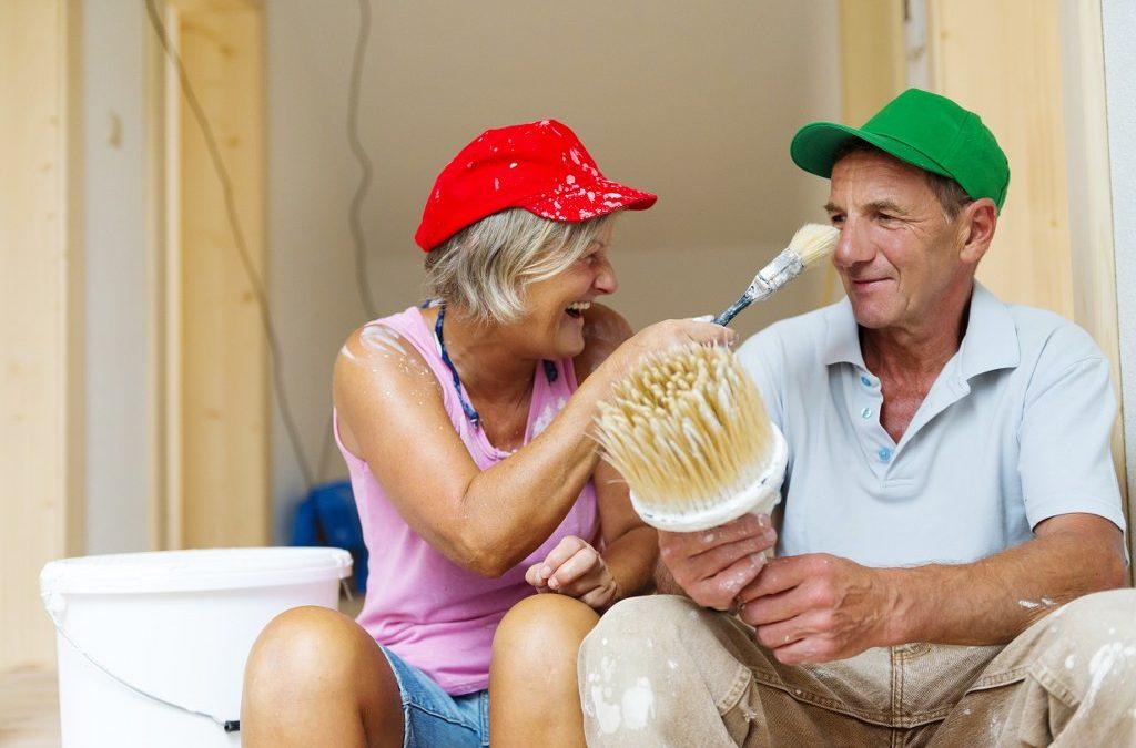 Italiani e fai da te: le abitudini degli over 65