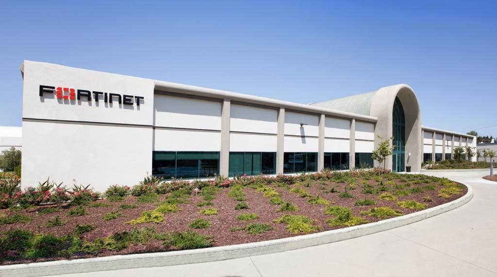 Fortinet annuncia l'acquisizione di OPAQ Networks